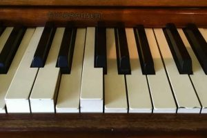 How Do You Fix a Dead Piano Key?